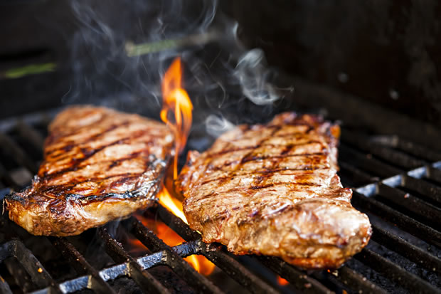 Bestway-Steaks-On-Barbecue