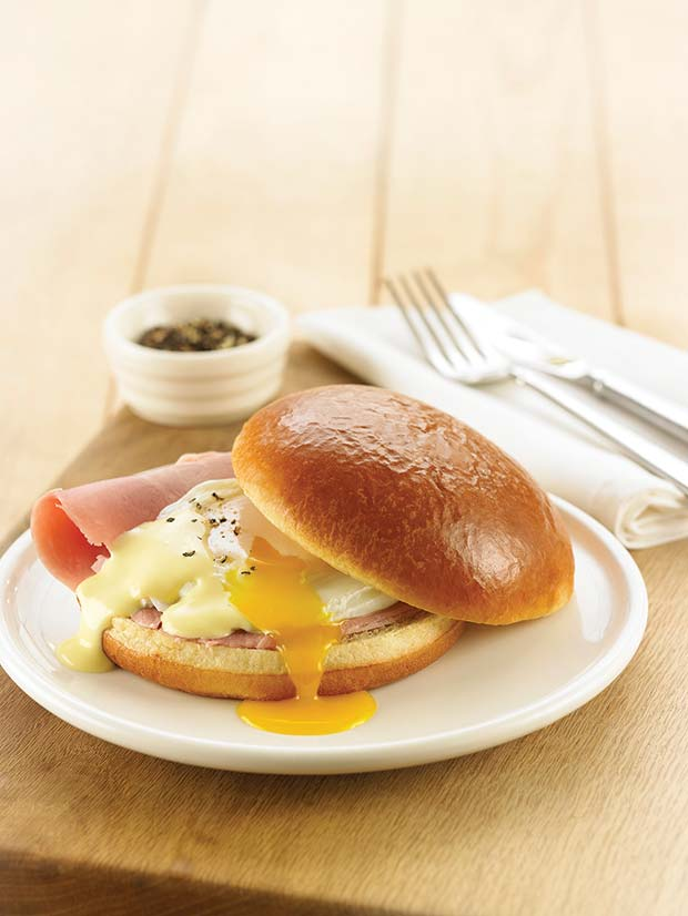 brioche-bun-with-eggs-benedict